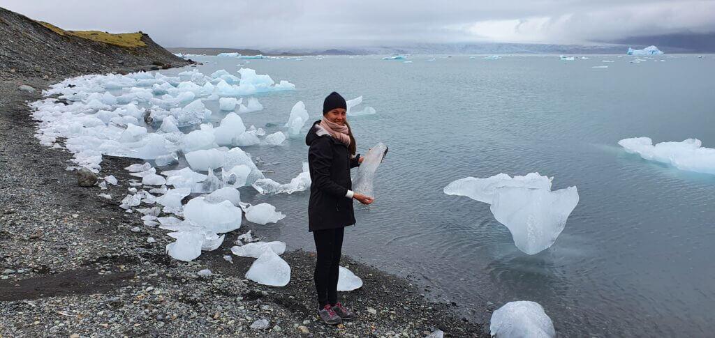 iceberg near fjallsarlon