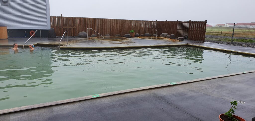 lysuholslaug hot spring