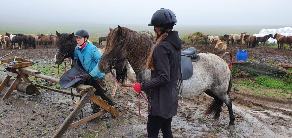 stori kambur horse riding
