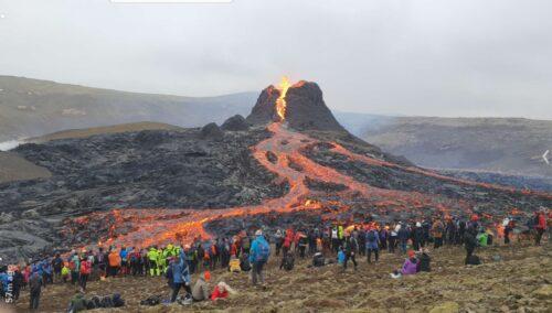 Fagradalsfjall volcano crowds